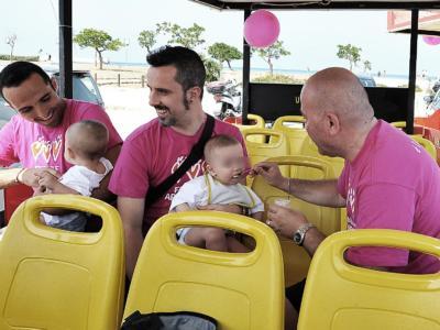 """Via libera dalla Cassazione alle adozioni per le coppie gay: """"L'omogenitorialità non costituisce elemento ostativo all'adozione"""""""