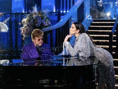 Elton John, l'Oscar party raccoglie oltre 2 milioni di sterline per la lotta contro l'AIDS. Presenti anche Lady Gaga e Dua Lipa.