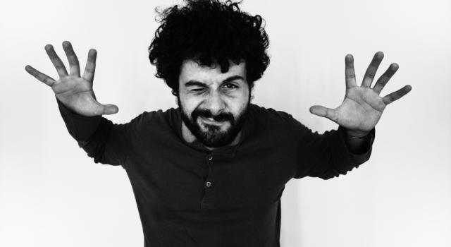 """Blumosso, il cantautore morso dal sole del sud. Fuori """"Nordest"""", il primo di tre nuovi singoli"""