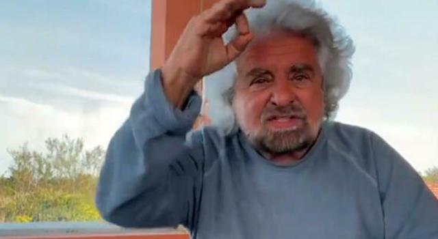 """Bufera su Beppe Grillo dopo le parole sui social in difesa del figlio accusato di stupro. I genitori della vittima: """"Ripugnante"""" (VIDEO)"""