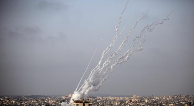Israele, attacchi continui tra Hamas e il governo, si teme l'escalation