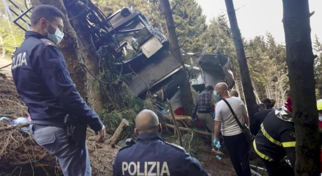"""Piemonte, precipita una cabina della funivia """"Stresa-Mottarone"""": 13 vittime, gravi 2 bambini"""
