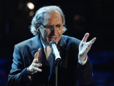 Addio a Franco Battiato, il cantautore del pop dalle meccaniche divine. Il cordoglio sui social dei colleghi