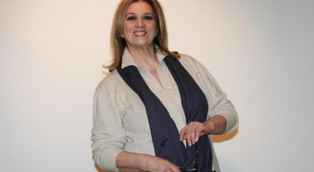 """Iva Zanicchi su Maria de Filippi: """"Se non dici che la stimi, tienila buona e sei a posto per 10 anni"""""""