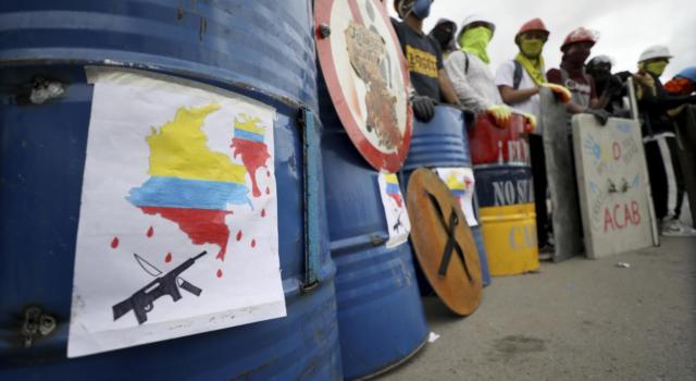 Colombia, il presidente schiera l'esercito contro le proteste