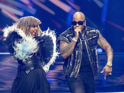 """Senhit sotto shock! La pedana rotante dell'Eurovision Song Contest 2021 rischia di uccidere la cantante italiana. """"Adrenalina"""" per il salto finale"""