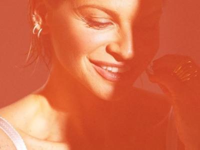 Sorriso grande: Alessandra Amoroso è sempre la stessa