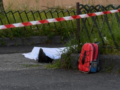 Stupra donna incinta, il marito lo massacra col machete e lo fa morire dissanguato