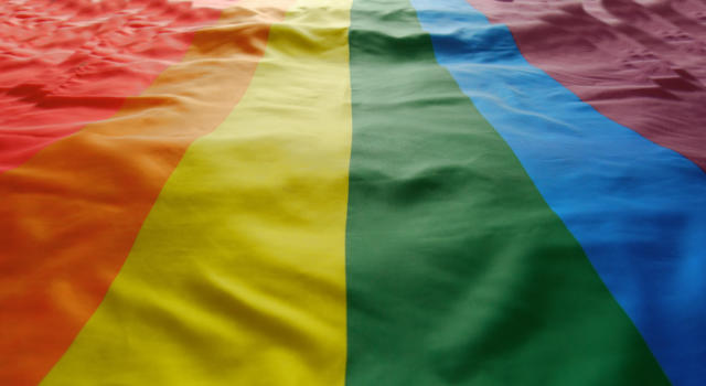 Roma, 12enne vittima di aggressione omofoba: «Fr**** di m, sei maschio o femmina?»