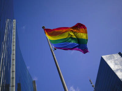 13 paesi dell'Unione Europea contro la legge anti-LGBT dell'Ungheria. L'Italia si astiene, ma all'ultimo si unisce