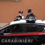Ventenne bresciano ha un rapporto in auto con una bambola gonfiabile davanti alla caserma dei Carabinieri: scatta la maxi-multa fino a 5 mila euro