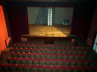 Shock al Teatro Bellini di Napoli, 22enne attrice trovata impiccata