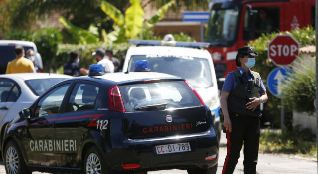 """Massacra la ex in strada a colpi di pistola, poi si uccide: """"Non avrai posto dove nasconderti"""", scriveva su Facebook"""