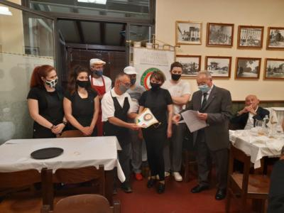 Un pieno di brindisi, sorrisi e sapori, l'Accademia Italiana della Cucina riparte dalle prelibatezze del territorio