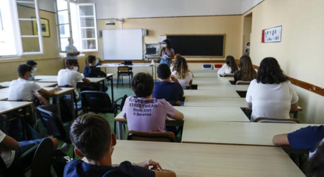Scuola, green pass obbligatorio anche per gli studenti: la proposta dei presidi al governo