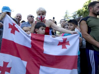 Georgia, gruppo di estrema-destra attacca la sede del Tbilisi Pride: marcia annullata