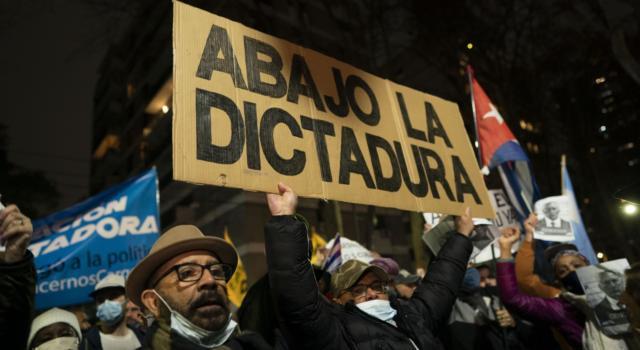 Cuba: proteste in tutta l'isola per far cadere il governo