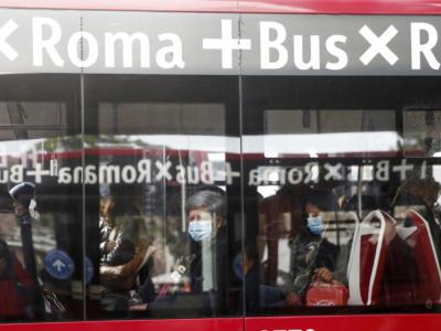 Coronavirus, torna il controllore sui bus: verificherà biglietto, mascherina e distanziamento