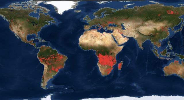 Mondo in fiamme nelle immagini del satellite della Nasa