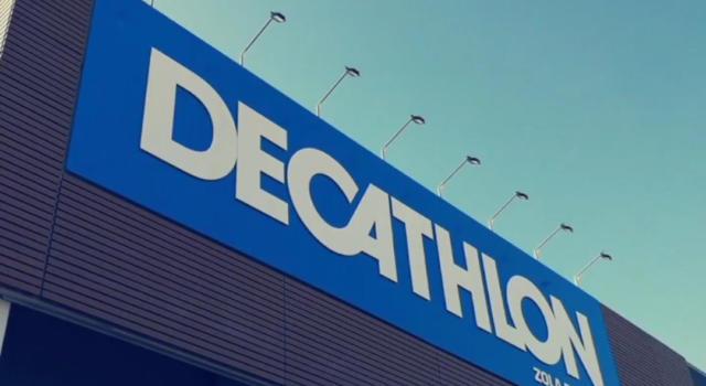 Donna trovata morta in camerino Decathlon