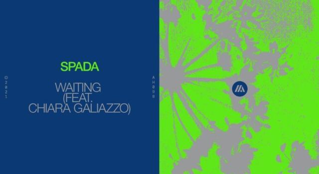 Spada con Waiting indica la strada a Chiara Galiazzo