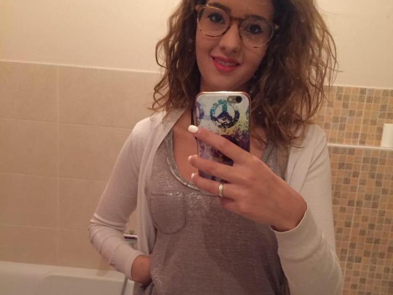 Parrucchiera 21enne uccisa, l'ossessione del suo carnefice: dopo averle sparato le ha rubato il cellulare per spiare foto e messaggi