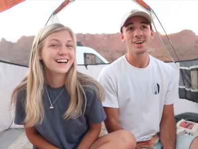 Il mistero dell'influencer 22enne trovata morta nella foresta, è caccia aperta al fidanzato svanito nel nulla