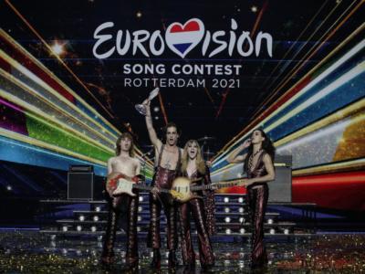 """Eurovision 2022, è definitivo: sarà Torino ad ospitare dal 10 al 14 Maggio la prossima edizione della manifestazione canora. """"We say ciao to Torino"""" è lo slogan apparso sull'account Youtube. Chi presenterà? VIDEO"""