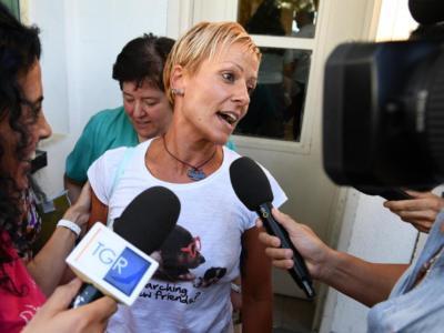 """Morti in corsia, assolta l'ex infermiera Daniela Poggiali: """"Voglio tornare a fare il mio lavoro"""""""